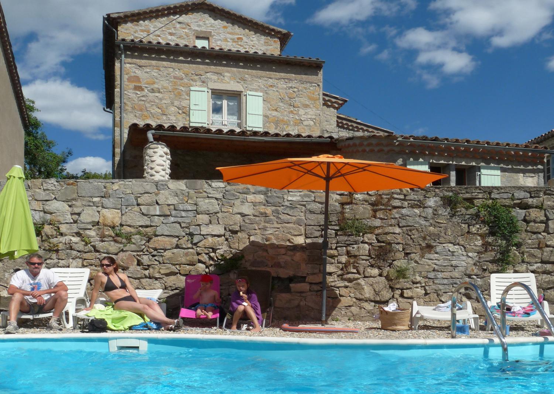 Vacances en ardeche dans gite avec piscine for Ardeche gites avec piscine